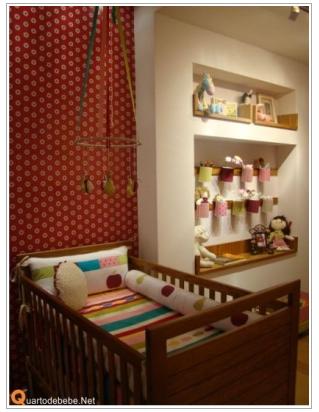 quarto bebê menina colorido 2